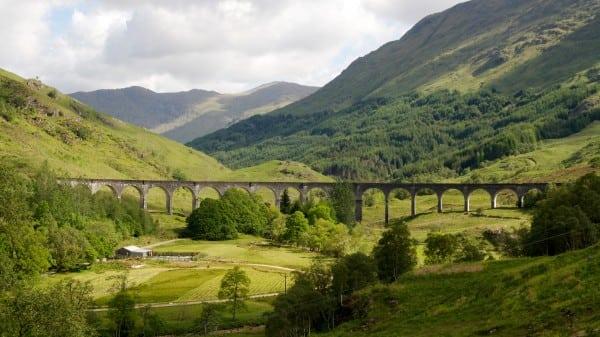 Glenfinnan_Viaduct_01