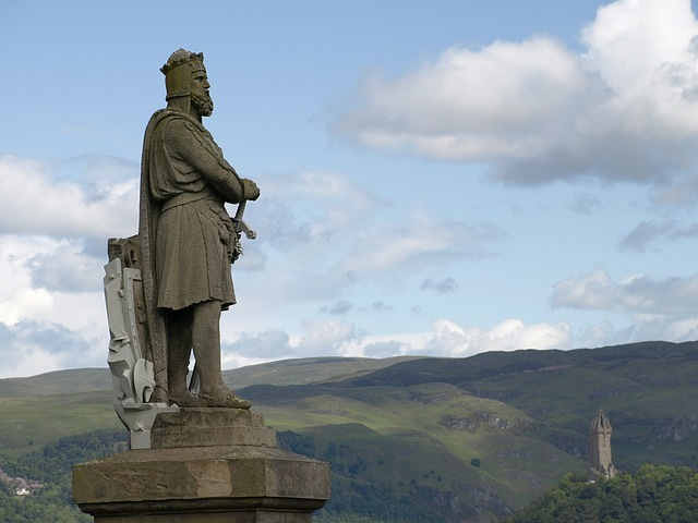 Robert the bruce statue in stirling